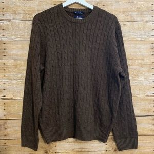 G.H. Bass & co premium sweater med cable crewneck
